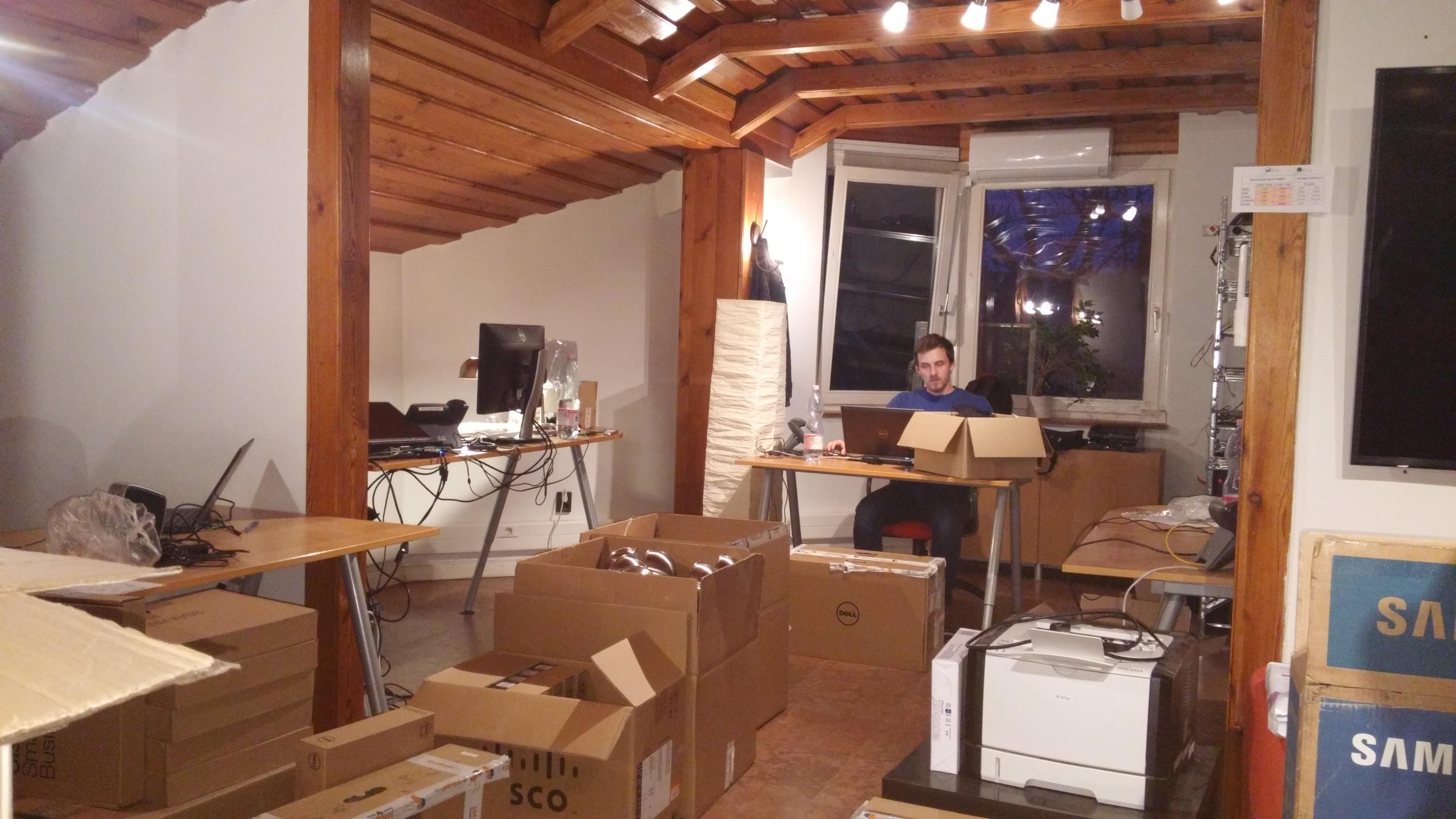 Vállalati telekommunikáció Opennetworks költözködés